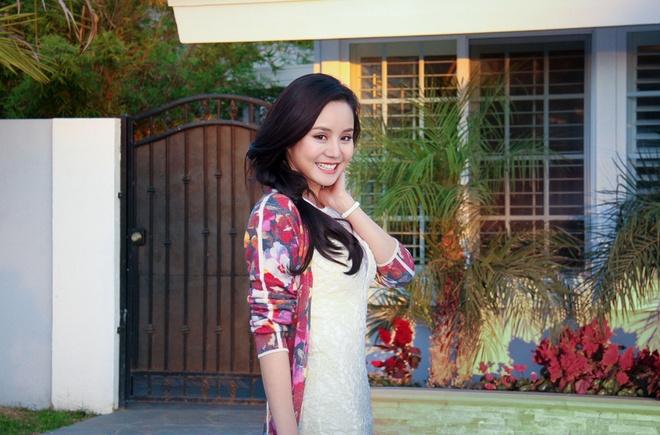 Vy Oanh tham nha sang trong cua Viet Huong tai My hinh anh 15