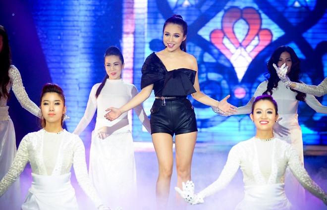 Hien Thuc - My Tam bung no tren san khau liveshow hinh anh 14