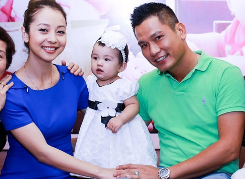 Jennifer Pham to chuc sinh nhat hoanh trang cho con gai hinh anh