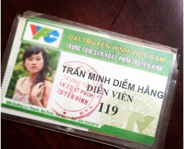 Xem anh, ten tuoi that cua sao Viet tren CMND va ho chieu hinh anh 1