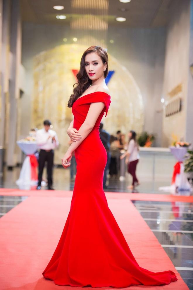 Truong Ngoc Anh goi cam tren tham do An tuong VTV hinh anh 15