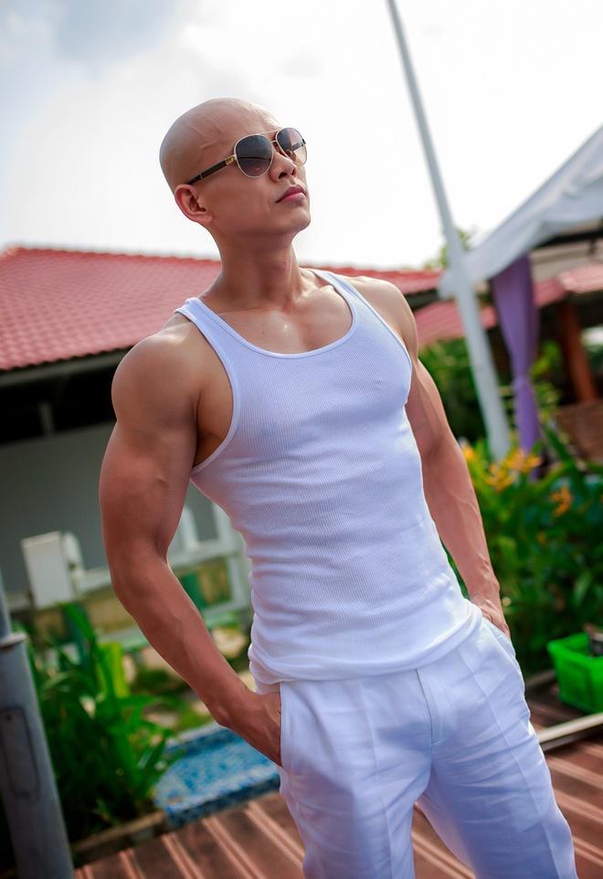 Phan Dinh Tung tung MV co nhieu canh nong bong hinh anh 1