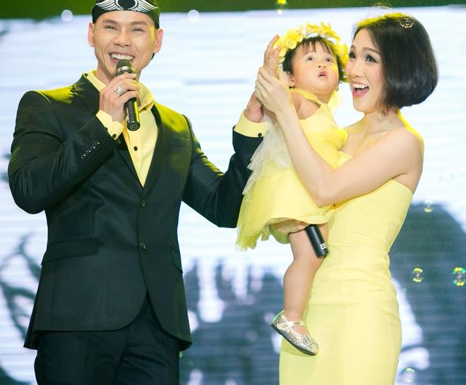 Phan Dinh Tung lan dau khoe con gai hinh anh 6