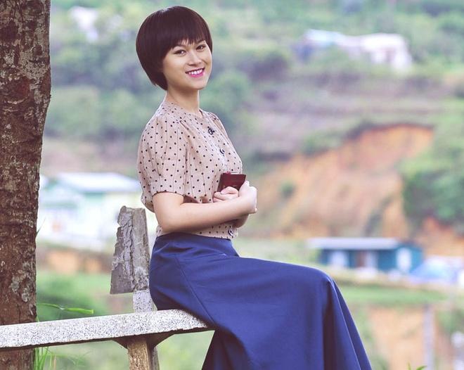 Ngoc Thanh Tam cat toc tem, lang man voi vay vintage hinh anh