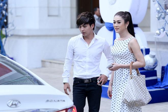 Ho Quang Hieu dua don Lam Chi Khanh bang xe sang tren pho hinh anh 9