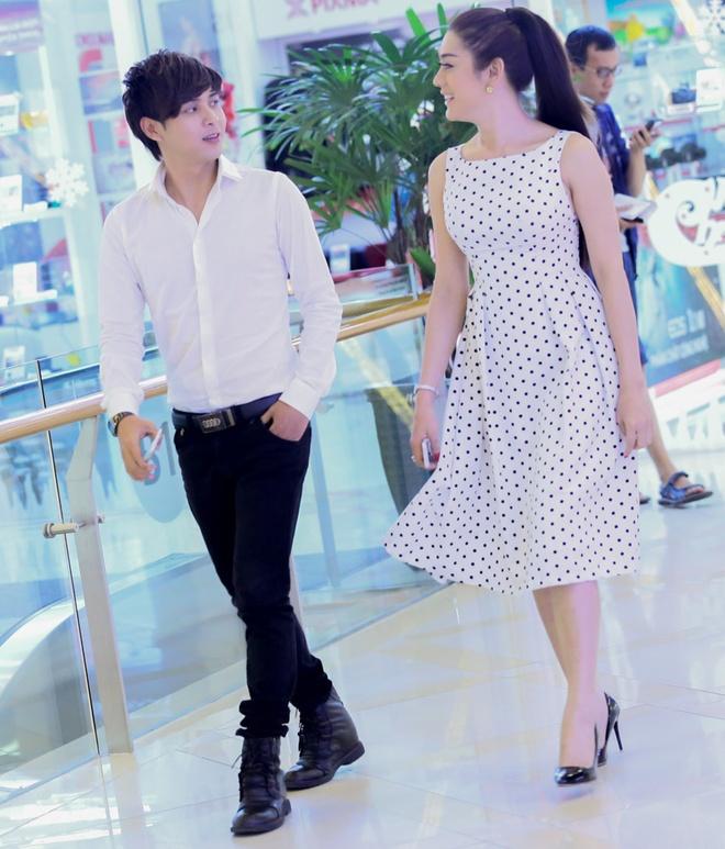Ho Quang Hieu dua don Lam Chi Khanh bang xe sang tren pho hinh anh 5