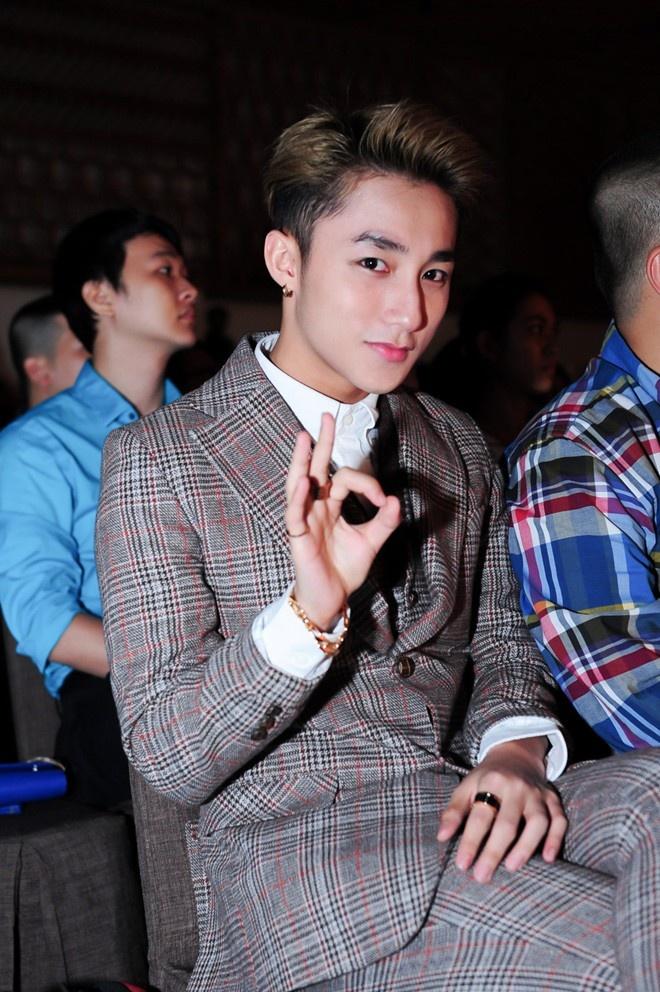 Cong ty cu chinh thuc kien Son Tung M-TP ra toa hinh anh 1