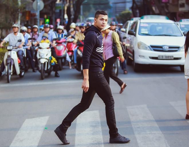 Vu Tuan Viet goi y mix do xuong pho ton ve nam tinh manh me hinh anh 4