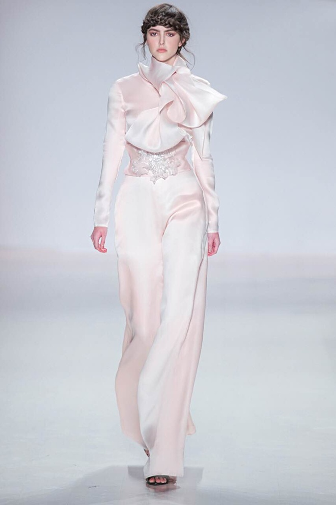 Ly Qui Khanh hon Tuyet Lan o san dien New York Fashion Week hinh anh 7