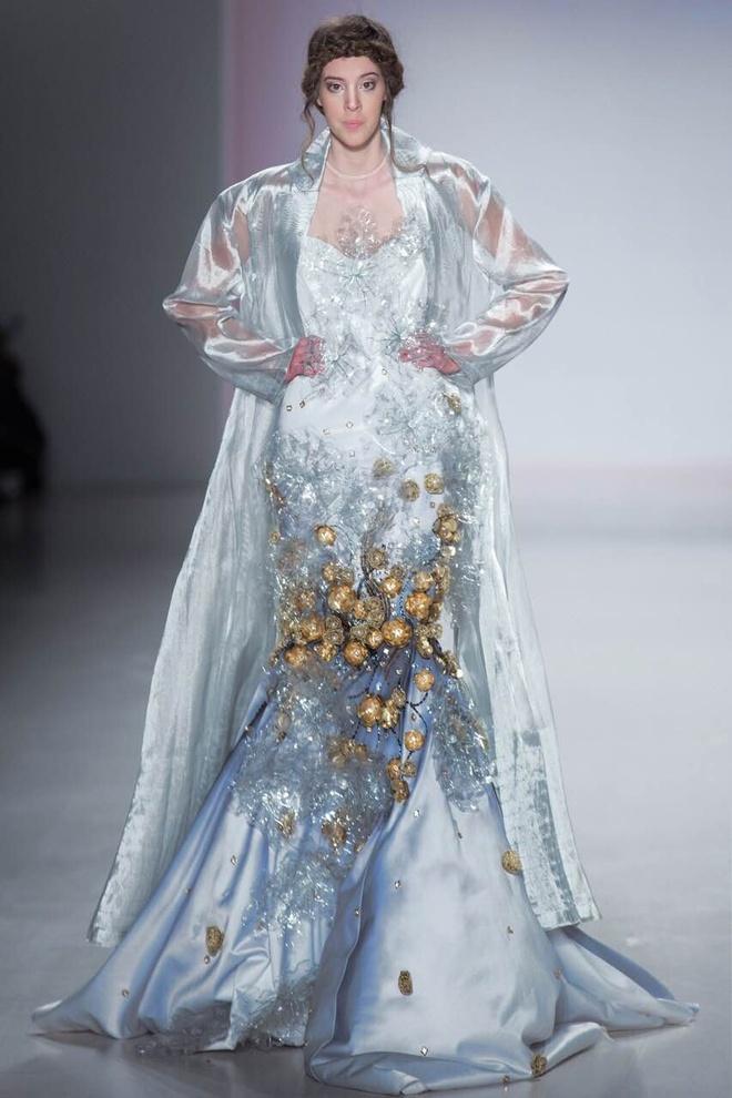 Ly Qui Khanh hon Tuyet Lan o san dien New York Fashion Week hinh anh 5