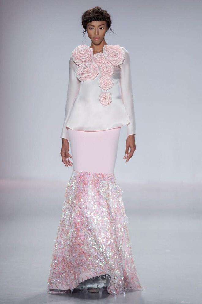 Ly Qui Khanh hon Tuyet Lan o san dien New York Fashion Week hinh anh 14