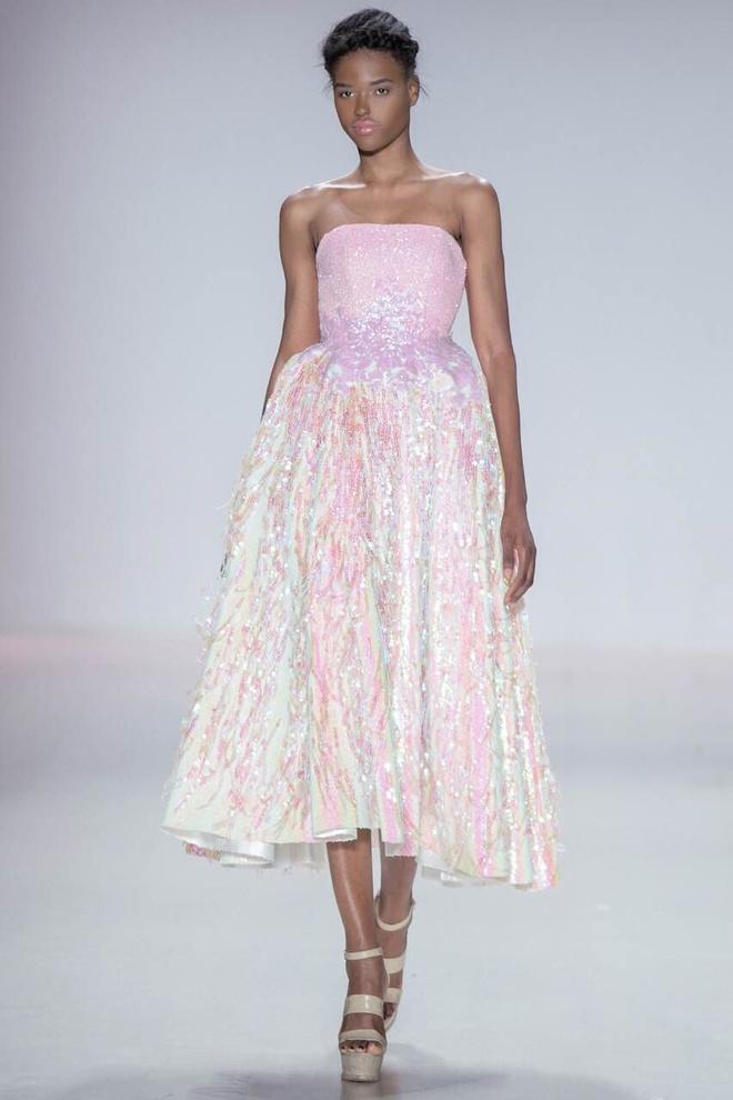 Ly Qui Khanh hon Tuyet Lan o san dien New York Fashion Week hinh anh 13