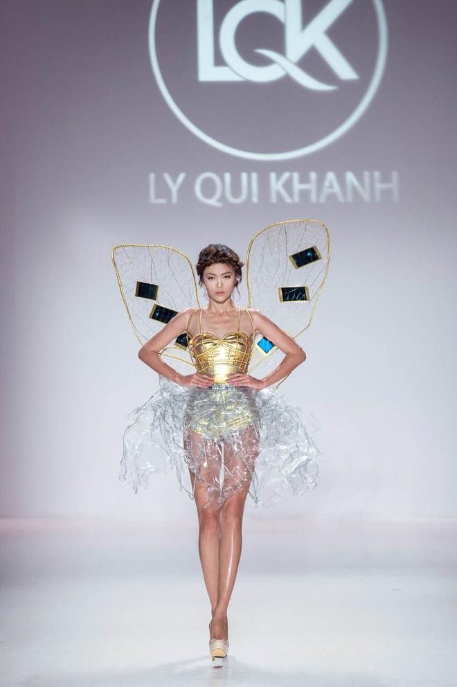 Ly Qui Khanh hon Tuyet Lan o san dien New York Fashion Week hinh anh 12