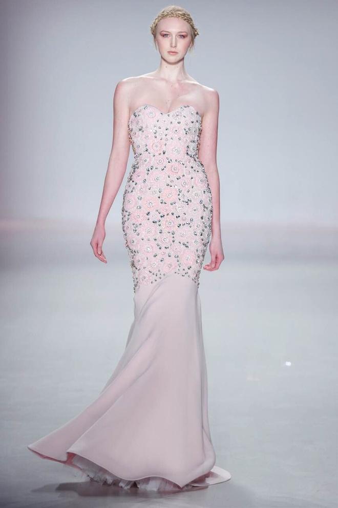 Ly Qui Khanh hon Tuyet Lan o san dien New York Fashion Week hinh anh 11