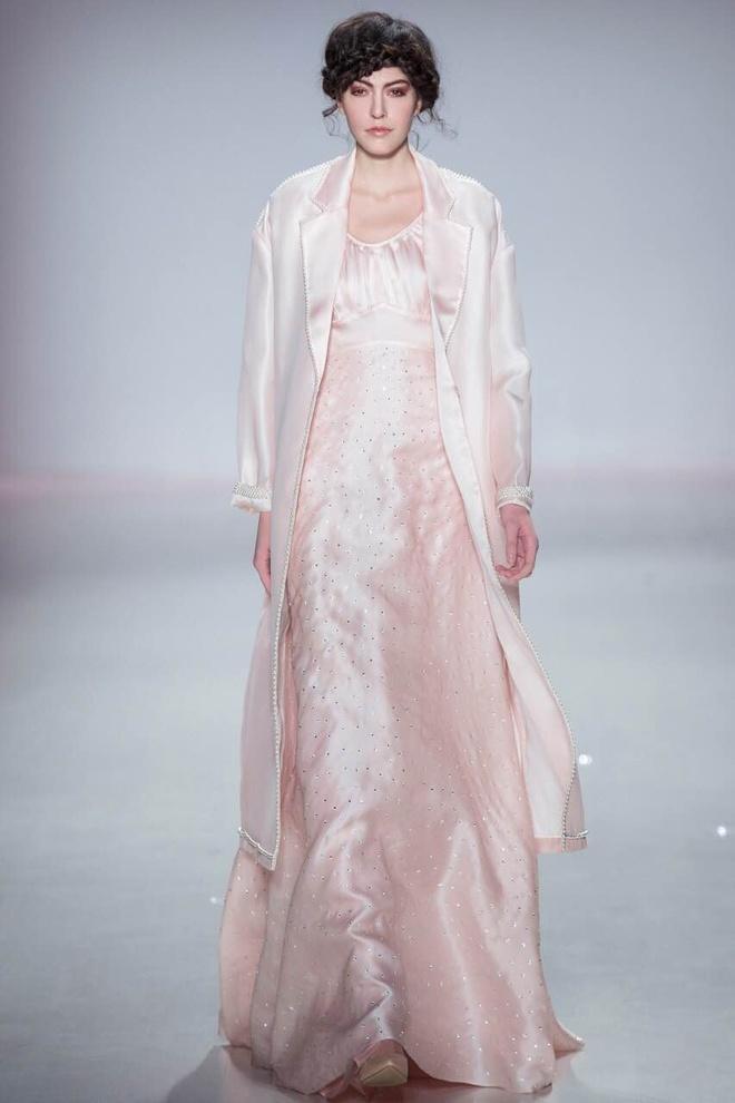 Ly Qui Khanh hon Tuyet Lan o san dien New York Fashion Week hinh anh 10