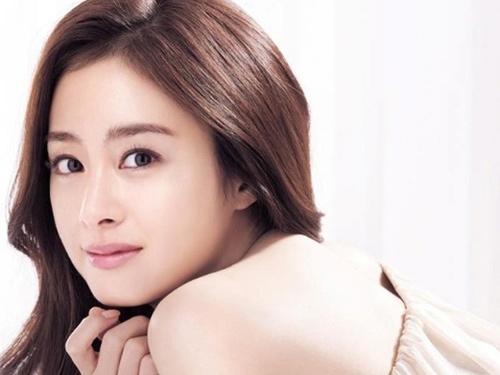 Kim Tae Hee tiet lo bi quyet giu da dep va dang thon hinh anh