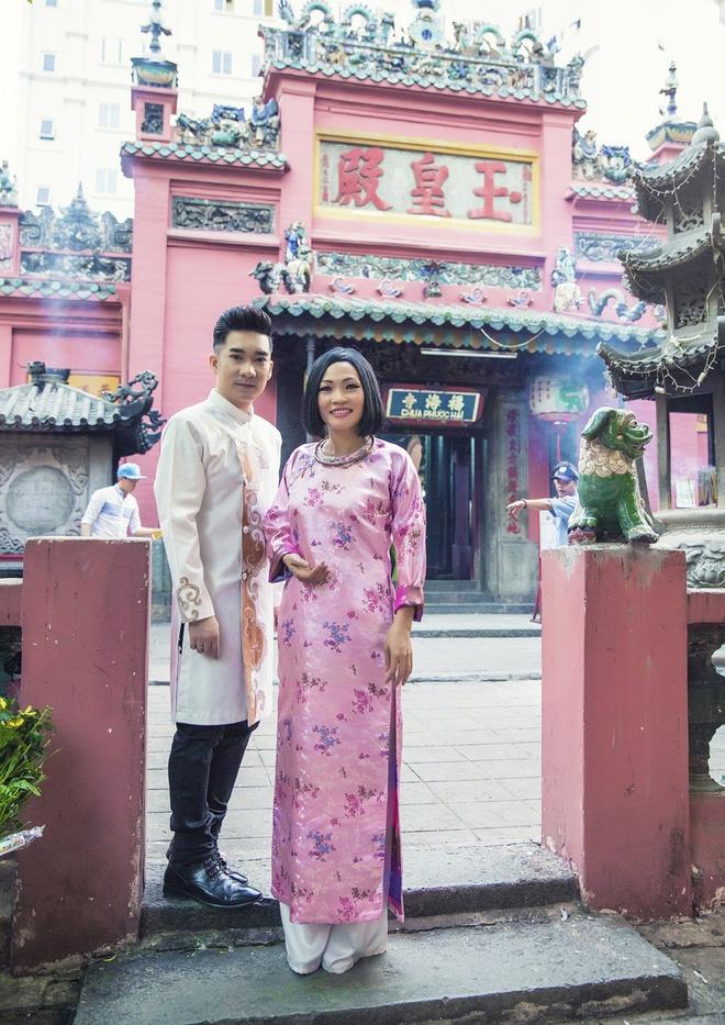Quang Ha, Phuong Thanh dien ao dai le chua dau nam hinh anh 1