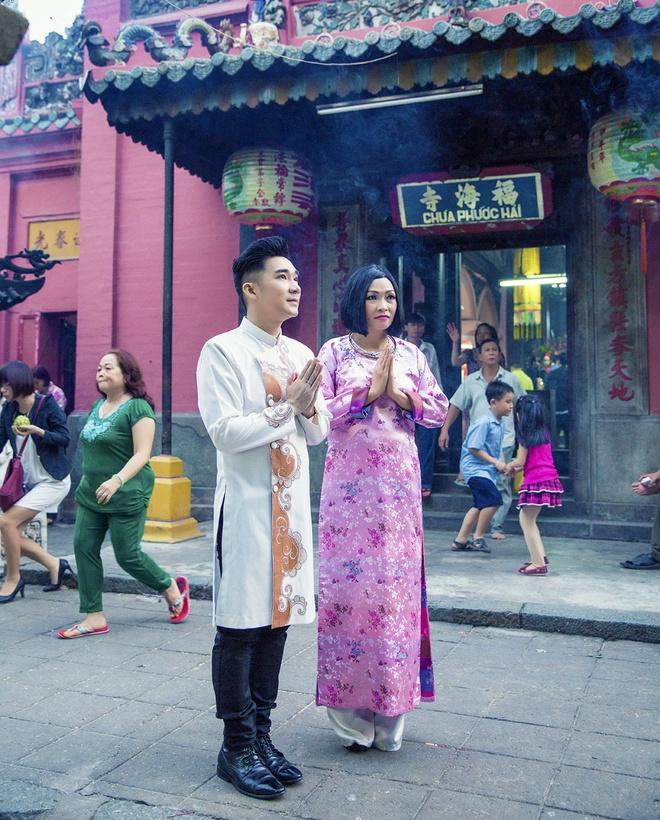 Quang Ha, Phuong Thanh dien ao dai le chua dau nam hinh anh 5