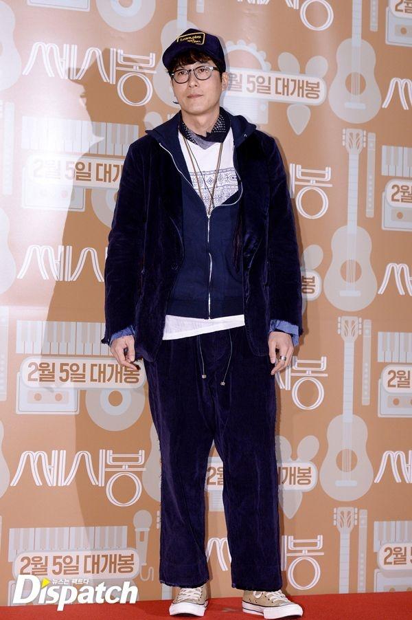Phong cach thoi trang ky quac cua my nam Han hinh anh 4 Trong một sự kiện gần đây, nam diễn viên Kim Joo Hyuk khoác lên mình bộ trang phục luộm thuộm không phù hợp trong sự kiện.