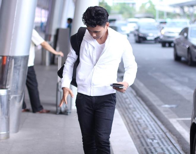 Ho Quang Hieu an mac nhu nam sinh ra san bay Tan Son Nhat hinh anh 3