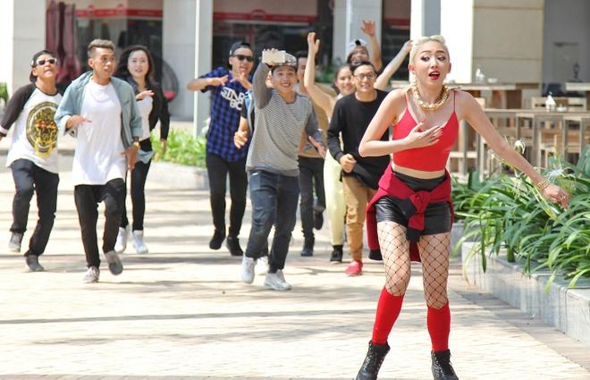 MV 'vu dieu cong chieng' cua Toc Tien hut nua trieu luot xem hinh anh 1