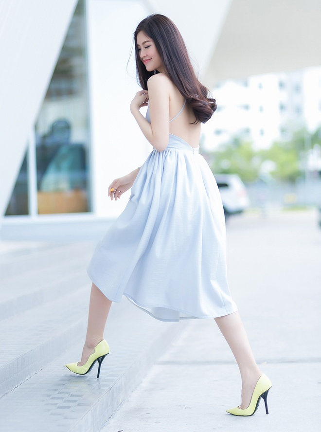 A hau Diem Trang goi cam voi 6 trang phuc duong pho hinh anh 8