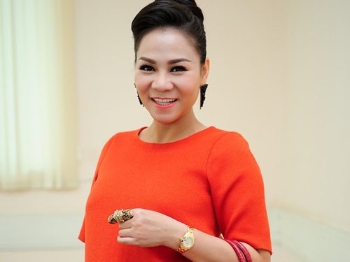 Thu Minh sinh con trai dau long nang hon 4 kg hinh anh