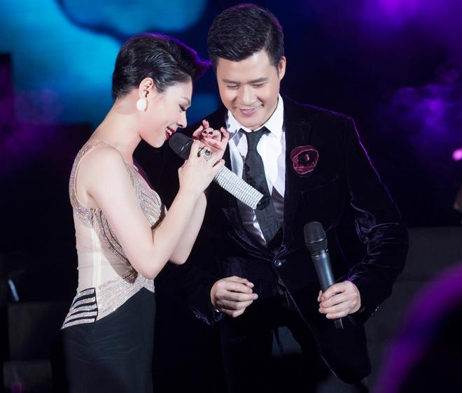 Thanh Thao roi nuoc mat khi tai ngo Quang Dung tren san khau hinh anh 4