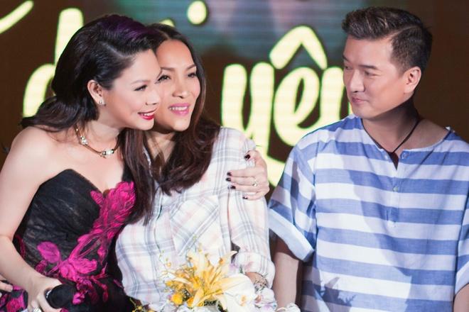 Thanh Thao roi nuoc mat khi tai ngo Quang Dung tren san khau hinh anh 14