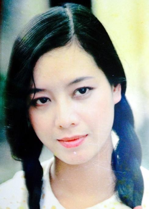 NSUT Chieu Xuan tung bi ky luat vi lay chong hinh anh 2