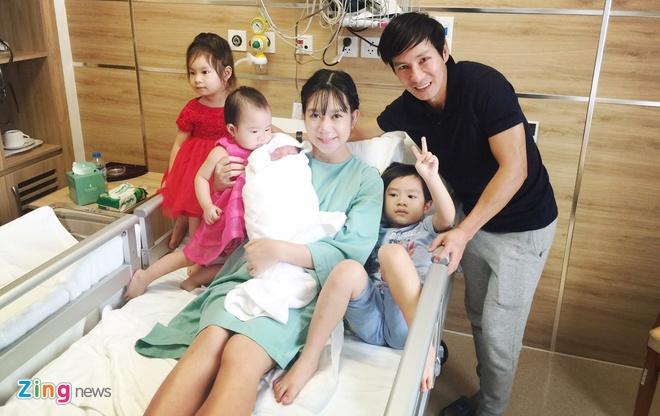 Ly Hai - Minh Ha hanh phuc ben con trai thu 4 vua chao doi hinh anh 6