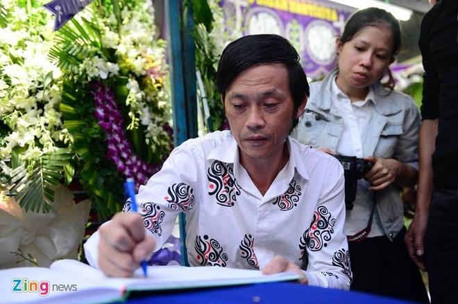 Hoai Linh lang nguoi truoc linh cuu Minh Thuan hinh anh