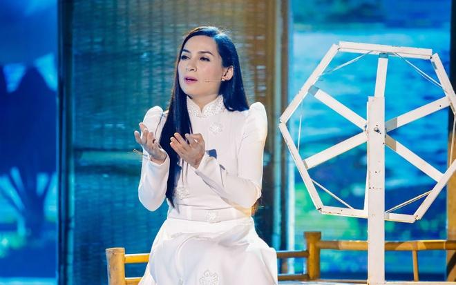 Phi Nhung tang nguoi phu nu 10 trieu dong hinh anh