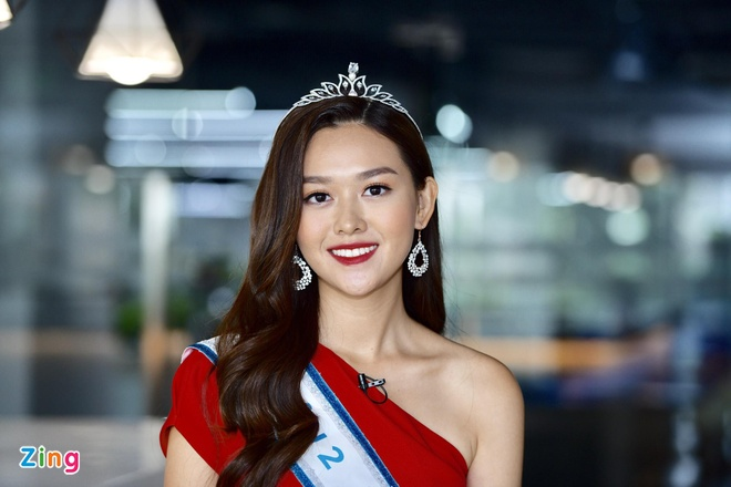 Hoa hau Thuy Linh: 'Toi se theo duoi nghe thuat, tro thanh nguoi mau' hinh anh 5