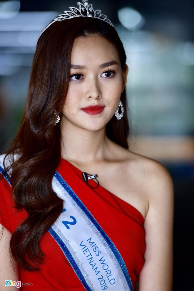 Hoa hau Thuy Linh: 'Toi se theo duoi nghe thuat, tro thanh nguoi mau' hinh anh 14