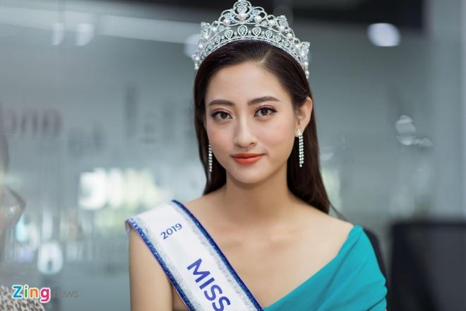 Hoa hau Thuy Linh: 'Toi se theo duoi nghe thuat, tro thanh nguoi mau' hinh anh 18