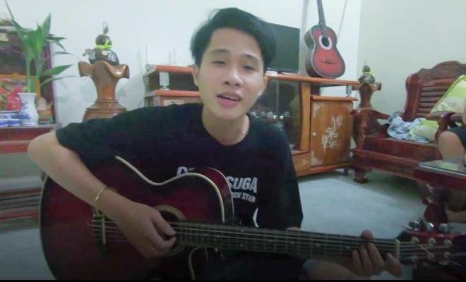 Clip hien tuong 'Song gio' thoi vo danh hat chay o phong tro gay chu y hinh anh