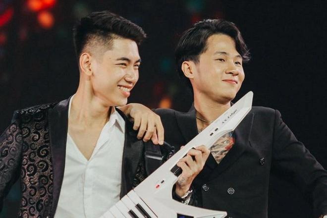 Chang trai cung Jack tao hit 'Song gio' khien Hoai Linh kinh ngac hinh anh