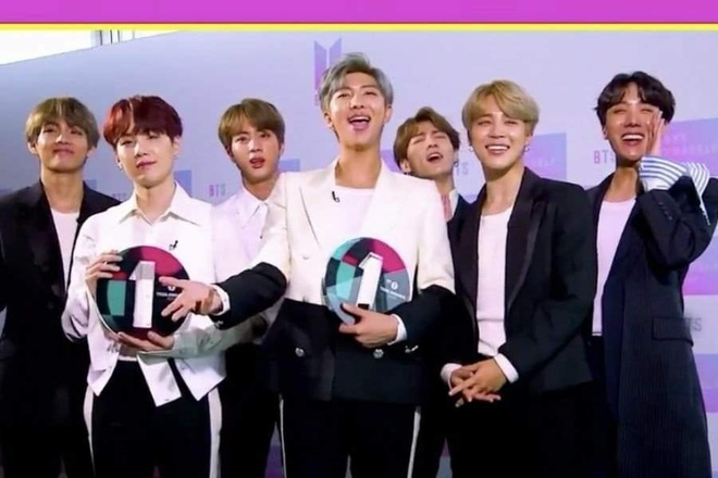 BTS chien thang hai giai thuong lon tai BBC Radio 1's Teen Awards hinh anh