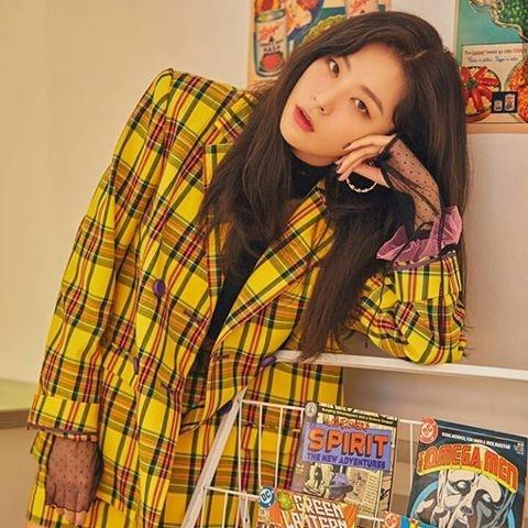 Nhin lai cac xu huong thoi trang tung khuay dong Kpop trong nam 2018 hinh anh 13