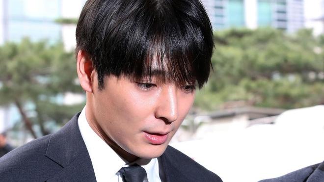 7 phu nu buoc toi Jung Joon Young, Choi Jong Hoon tan cong tinh duc hinh anh 2