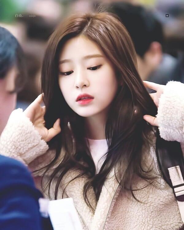 Nhung nu than tuong sinh nam 2001 xinh dep, tai nang cua showbiz Han hinh anh 8