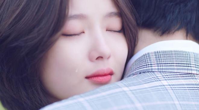 Yoo Jung xuat hien an tuong trong MV ra mat cua giong ca chinh WANNA ONE anh 8