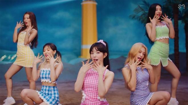Red Velvet tro lai, 'nu than' Irene thang hang nhan sac hinh anh 3