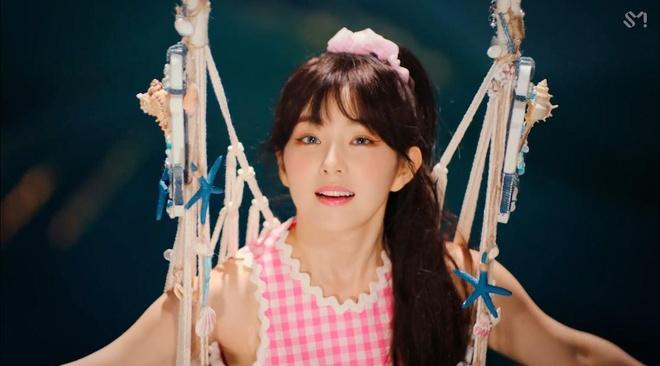 Red Velvet tro lai, 'nu than' Irene thang hang nhan sac hinh anh 4