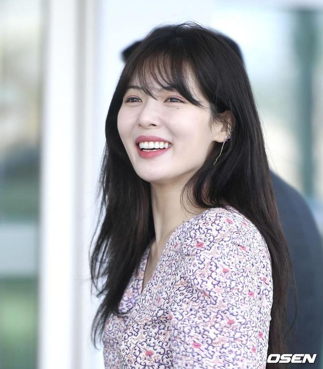 'Nu hoang goi cam' HyunA mac kin ra san bay hinh anh 7