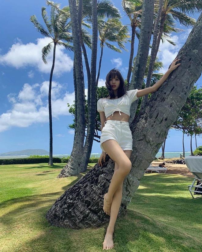 Black Pink khoe nhan sac, voc dang trong loat hinh o Hawaii hinh anh 15
