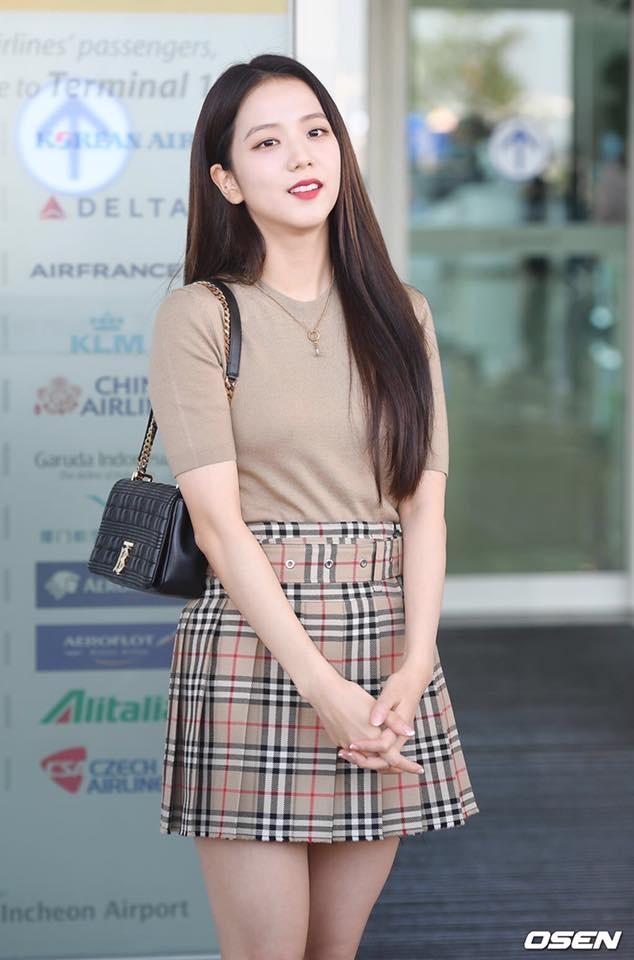 Ji Soo tai san bay anh 6