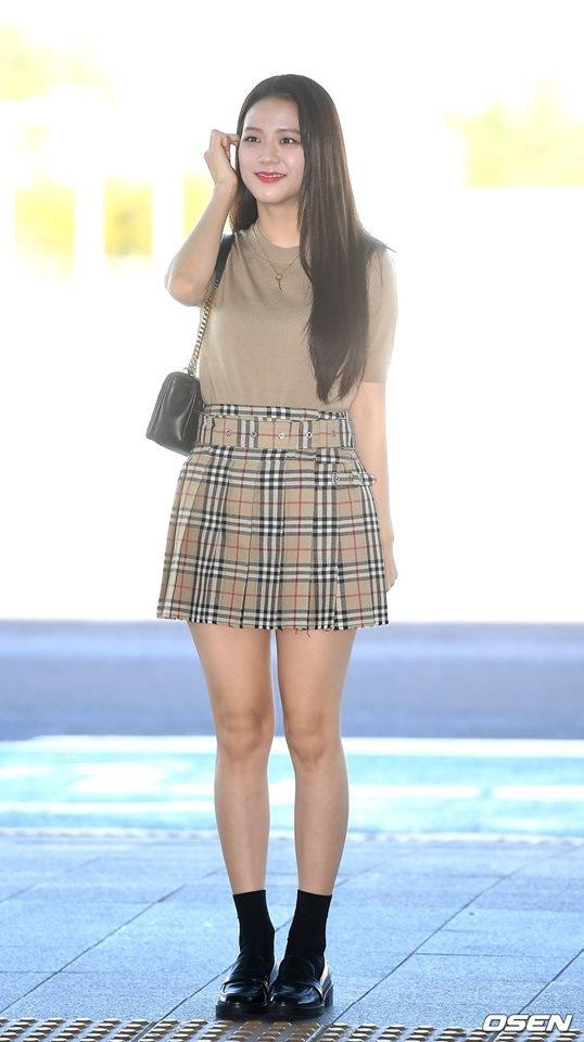 Ji Soo tai san bay anh 9