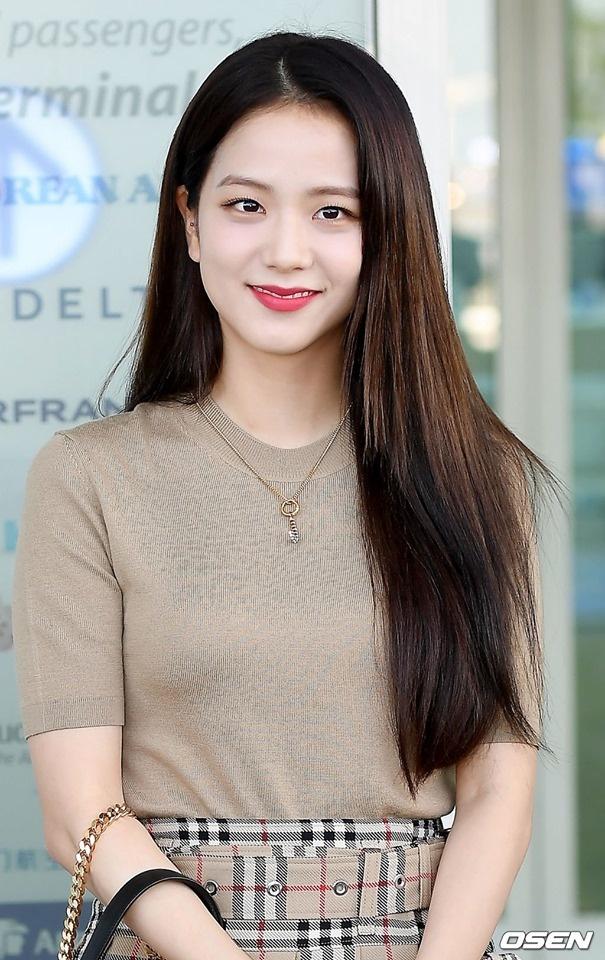 Ji Soo tai san bay anh 2